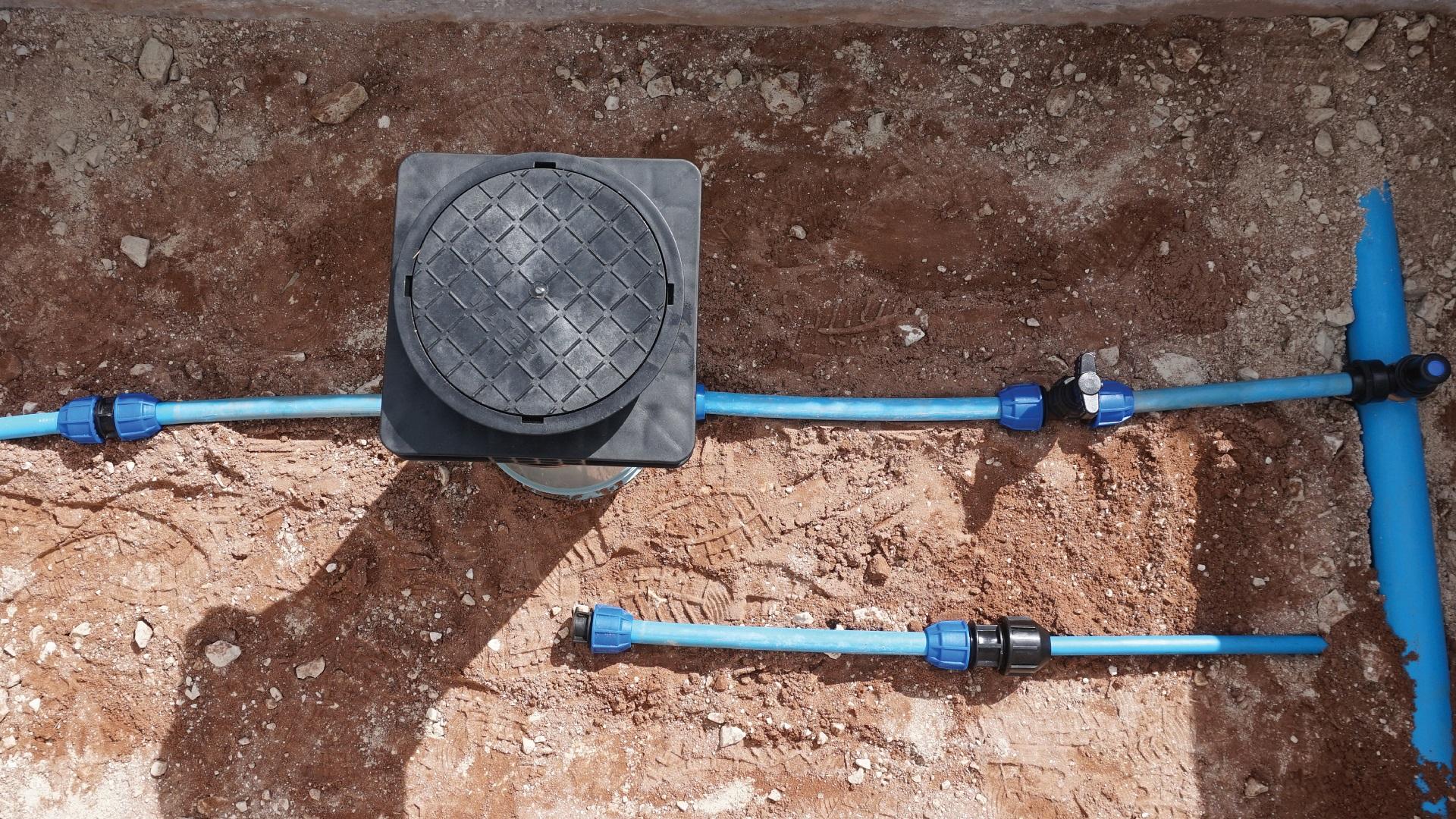 AVK Pentoflow Mains to Meter
